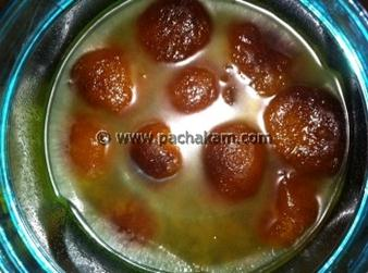 North Indian Easy Gulab Jamun