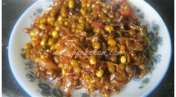 Sprouted-Moong-Dal-Masala