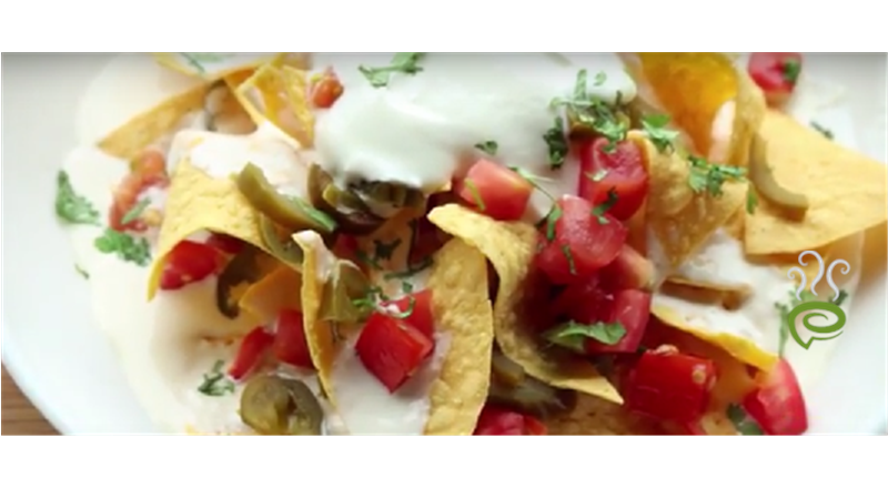 Nachos With Chili Video Recipe - Indiainteracts