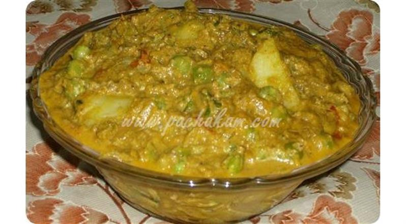 Potato In Green Peas Gravy | Pachakam