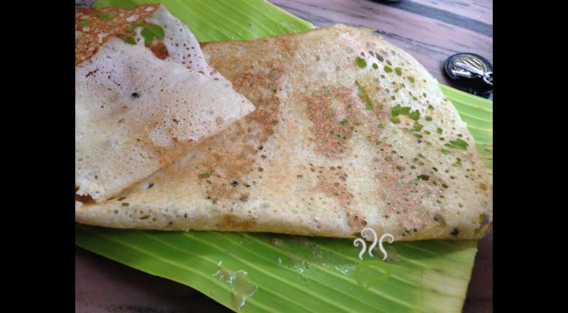 Simple Crispy Rava Dosa
