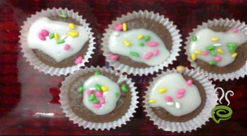 Vanilla Cup Cake With Chocolate | Pachakam