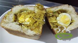 Bread Nirachathu-Stuffed Bread With Chicken Masala And Egg
